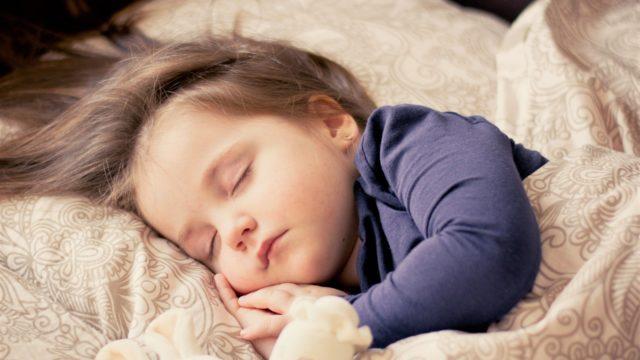 【睡眠不足は肥満を招く】毎日「質のよい睡眠」をとろう!