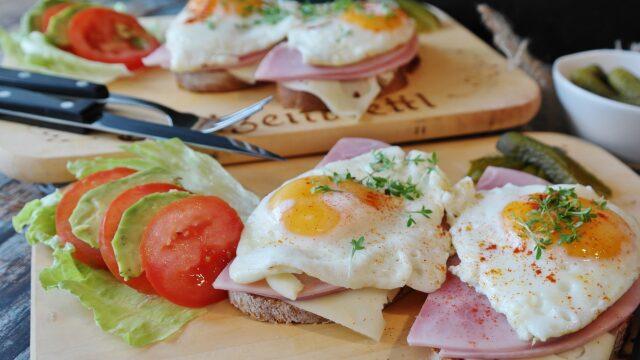 ダイエットの落とし穴!たんぱく質が不足すると太りやすくなる。